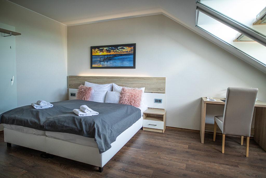 Balaton felé néző kétágyas szoba